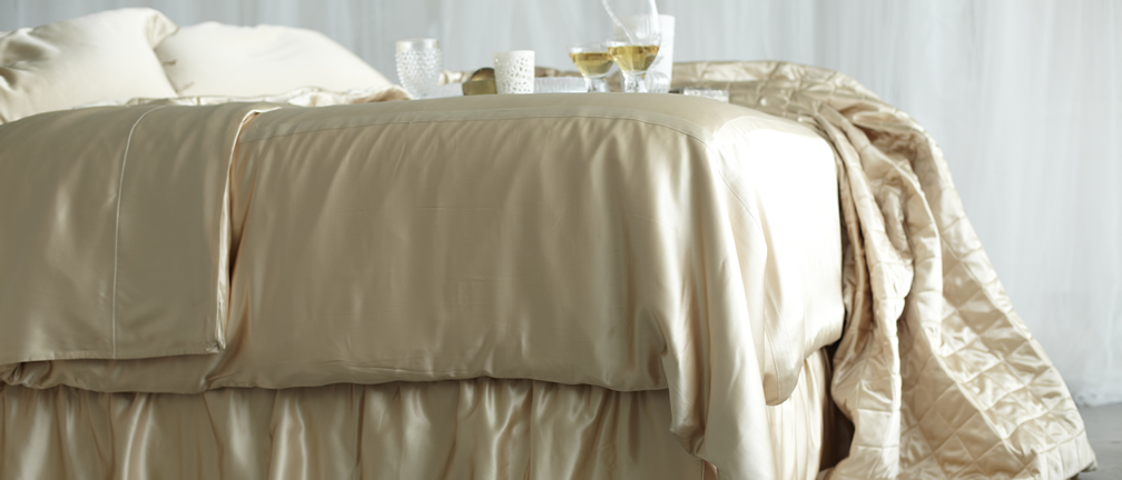 Silk Duvet Covers, Quilted Coverlets & Throws