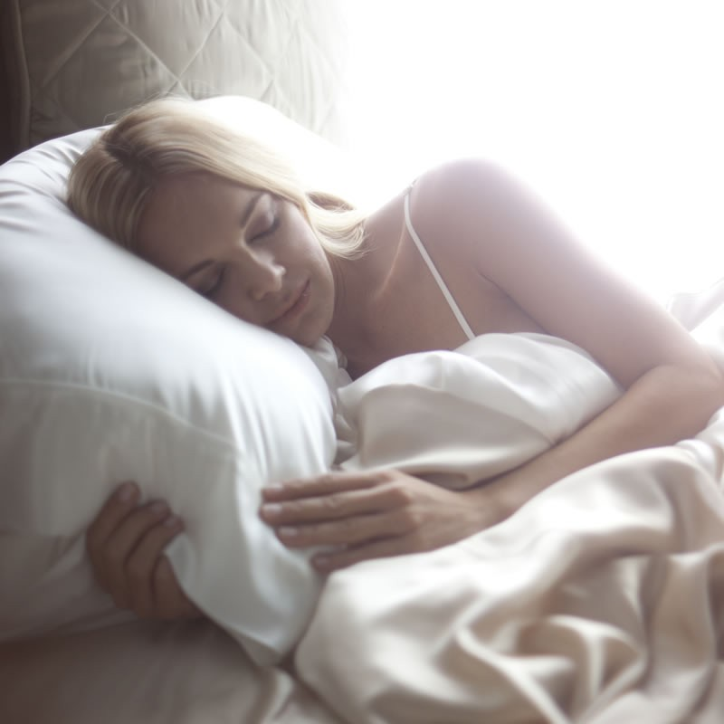 A Silk PIllowcase Is A Secret Beauty Weapon For Your Hair